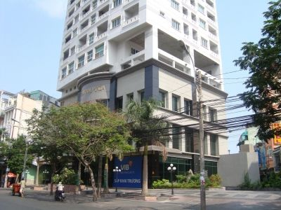 International Plaza apartment for rent